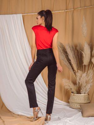 Pantalone 045 Q Crne pozadi